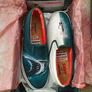 Nib pet and smoke free striper s/o shark attack